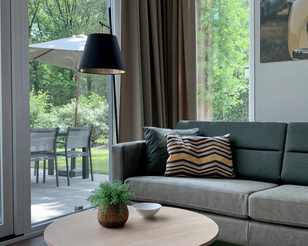https://wellnessvakantieveluwe.nl/wp-content/uploads/2021/06/Living.jpeg